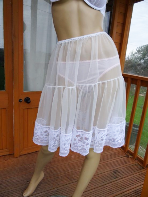 EXQUISITE HANDMADE 2 TIERED SEE THRU NYLON PETTICOAT  SIZE:- L/XL  #655
